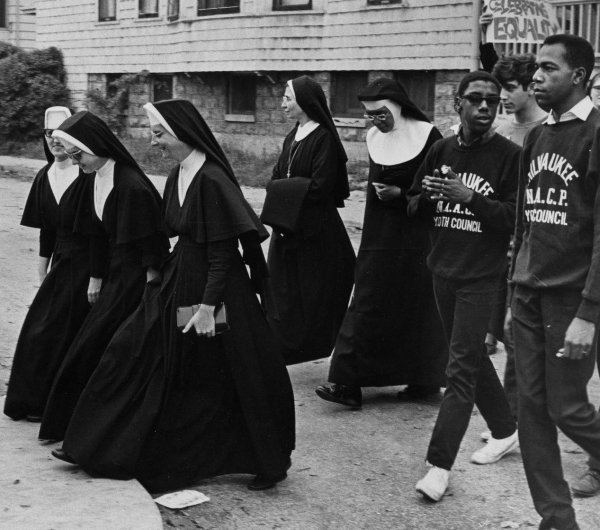 Nuns marching in support of Open Housing in Milwaukee, 1967