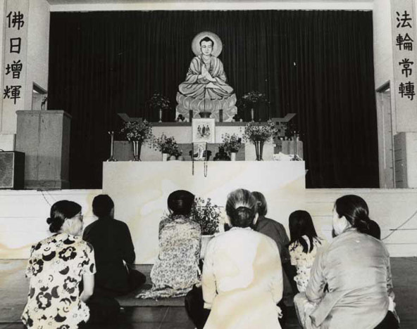 Asian_buddhists.jpg